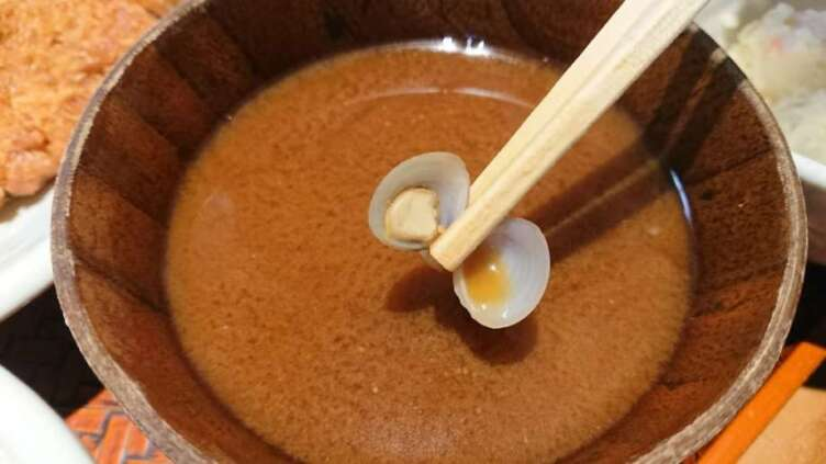 しじみ入りの赤ダシ味噌汁