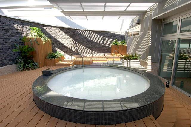タイムズスパレスタの露天風呂