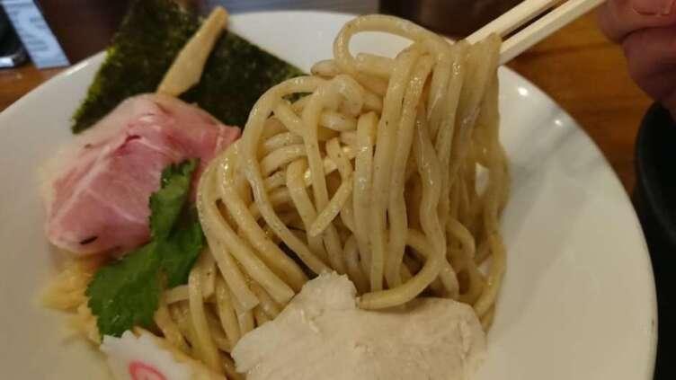 馳走麺 狸穴の麺