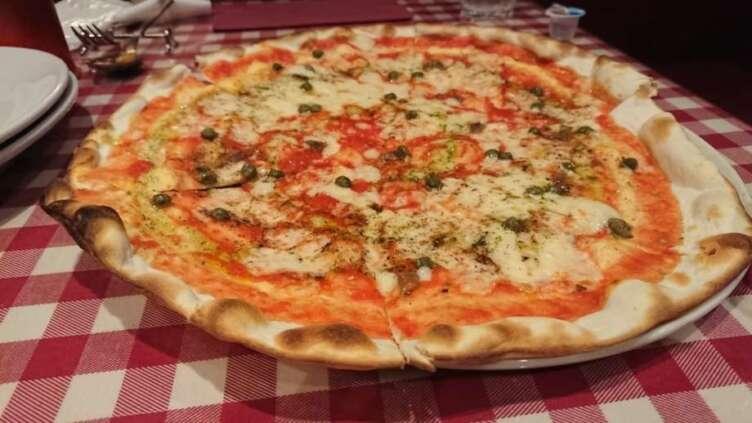 ギオットーネのピザ