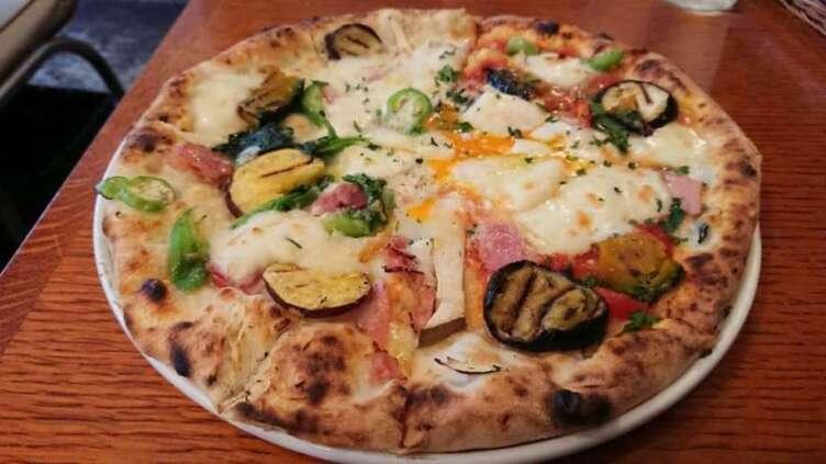 ミリオンダラーカフェのピザ