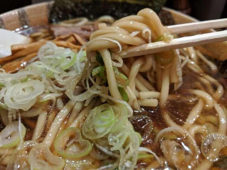 麺舗 十六の麺