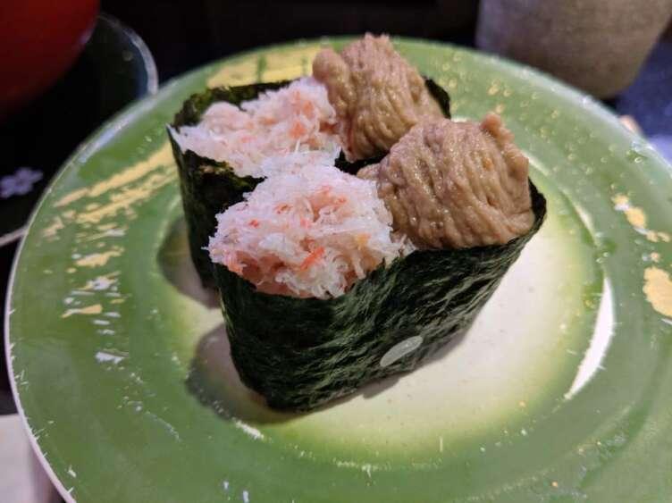 カニ味噌の寿司