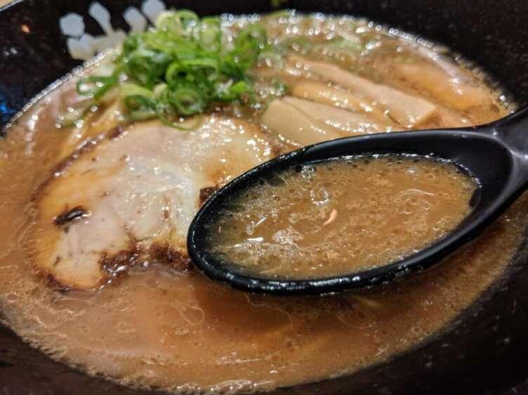やみつき豚骨ラーメンのスープ
