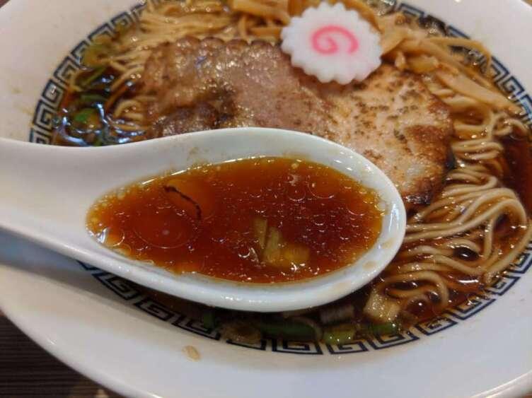 中華そば(黒)のスープ