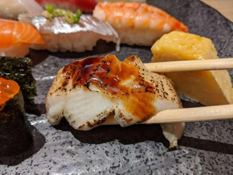 『築地 日本海』の穴子寿司