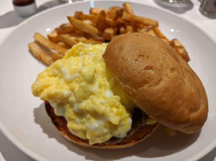 egg東京のエッグバーガー